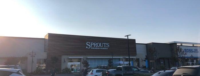 Sprouts Farmers Market is one of Jennifer'in Beğendiği Mekanlar.