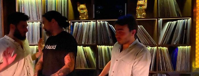 Tokyo Music Bar is one of Locais salvos de Emilio.