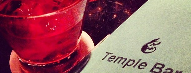 Temple Bar is one of date drinks.