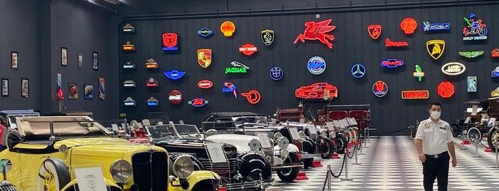 Özgörkey Klasik Araba Müzesi is one of Müze - Görülmesi Gereken Yer.