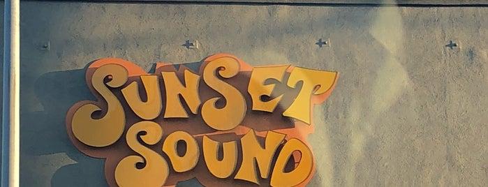 Sunset Sound is one of Esra'nın Beğendiği Mekanlar.