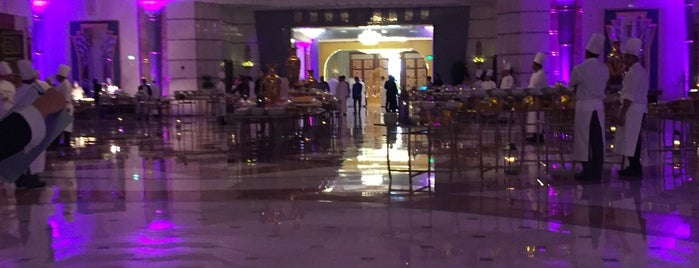 The Ritz Carlton Jeddah is one of Joelle : понравившиеся места.