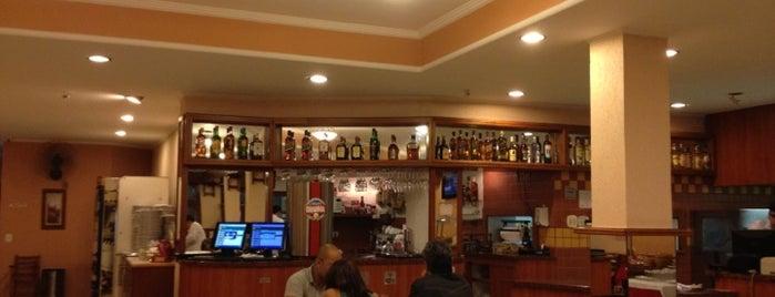 Pizzas Moraes is one of Lugares favoritos de Vinícius.