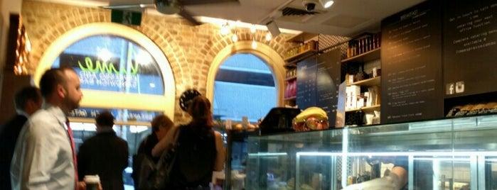 Lime Cafe is one of Posti che sono piaciuti a Brendan.