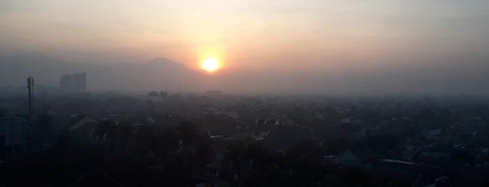 Hotel Horison Bandung is one of Via's.