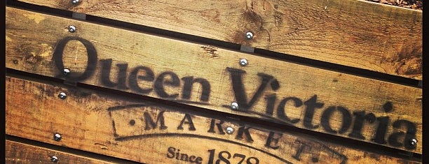 Queen Victoria Market is one of Tempat yang Disukai Thomas.
