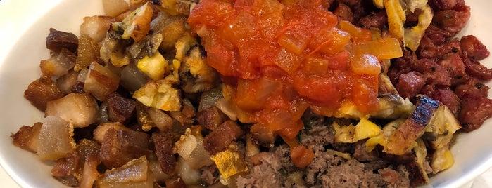 Noches De Colombia Restaurant is one of Lieux qui ont plu à Neil.