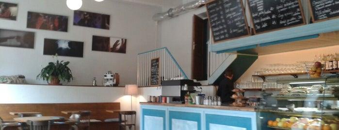 Bez konceptu is one of Kde si pochutnáte na kávě doubleshot?.