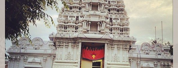 Maha Lakshmi Devasthanam Hindu Temple is one of Locais curtidos por Brian.