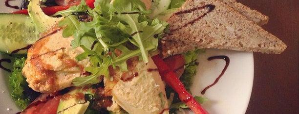 Torggata Frukt og Tobakk is one of Posti che sono piaciuti a Anders.