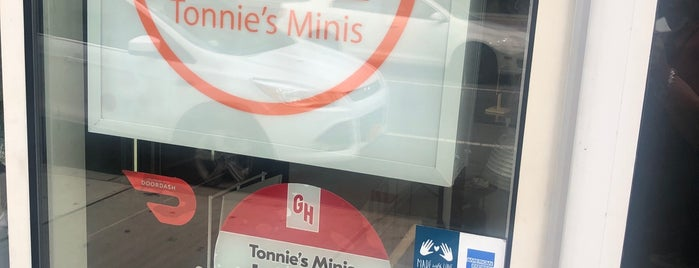 Tonnie's Minis Cupcake Shop is one of eats..