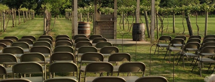 Lau-Nae Winery is one of Wineries and Microbreweries around St. Louis.