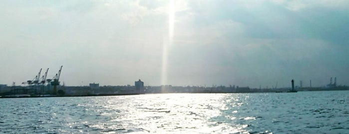 Генуя is one of สถานที่ที่ Aleksandra ถูกใจ.