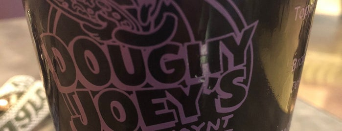 Doughy Joey's Peetza Joynt is one of Lugares favoritos de Larry.