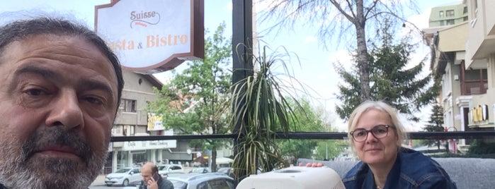 Suisse cafe bistro is one of สถานที่ที่บันทึกไว้ของ 🆉🅴🆈🅽🅴🅻.