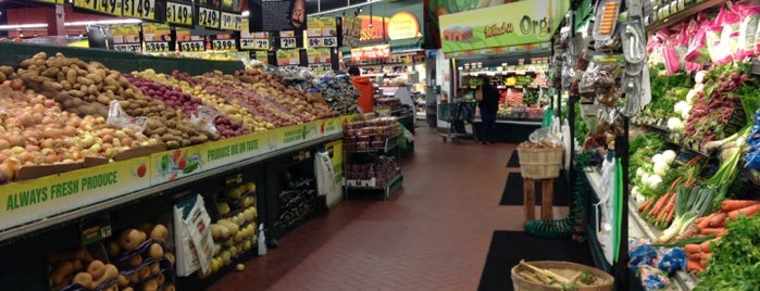 Fairway Market is one of fd.