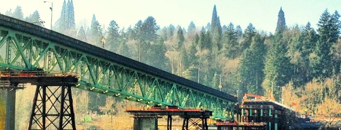 Sellwood Bridge is one of Lieux qui ont plu à Rosana.