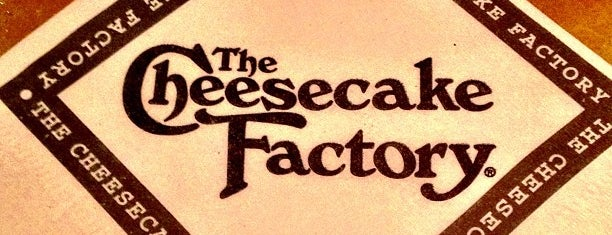 The Cheesecake Factory is one of Tempat yang Disukai Sam.