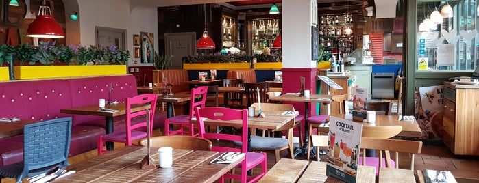 Bella Italia is one of UK Restaurants.