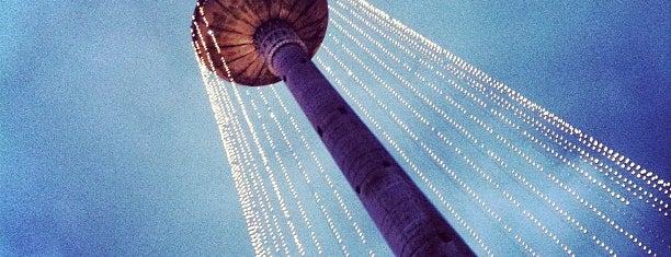 Televizijos bokštas | Vilnius TV tower is one of สถานที่ที่ Carl ถูกใจ.