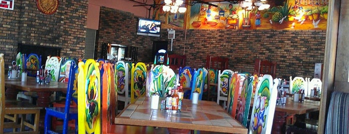 Cocula's Mexican Restaurant is one of Orte, die Sara gefallen.
