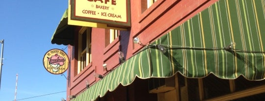 Buster's Ice Cream & Coffee Shop is one of L.A. Coffeedential.