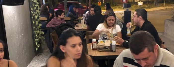 Buñuelitos Bar Restaurante is one of Burgers.