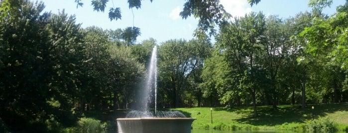Parc La Fontaine is one of Jas' favorite urban sites.