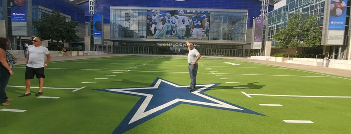 The Star in Frisco is one of Valさんのお気に入りスポット.