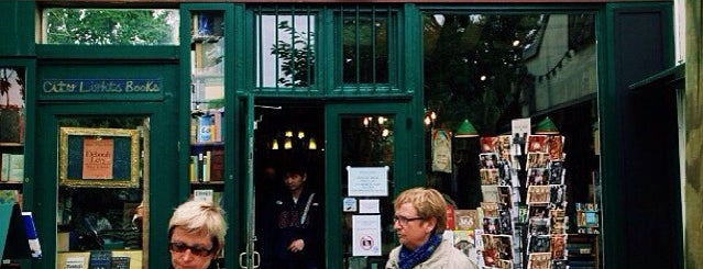 Shakespeare & Company is one of 🌠.