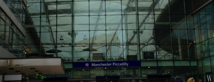 Estación de Manchester Piccadilly is one of Railway stations visited.