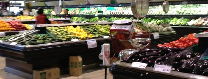 Super H Mart is one of ATL (incl. north OTP) groceries.
