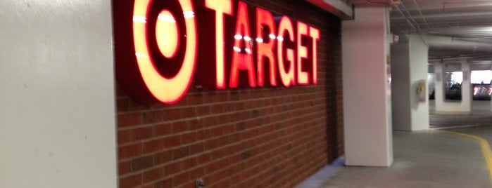 Target is one of Locais curtidos por Kawika.