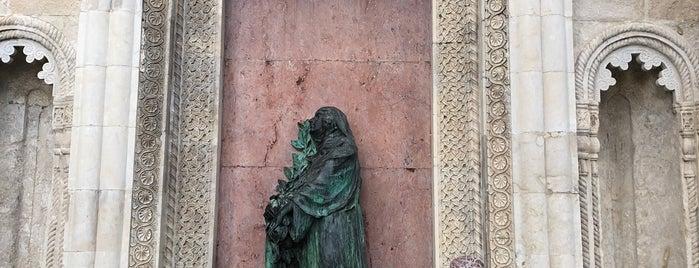 Mtatsminda Pantheon | მთაწმინდის პანთეონი is one of Galina'nın Kaydettiği Mekanlar.