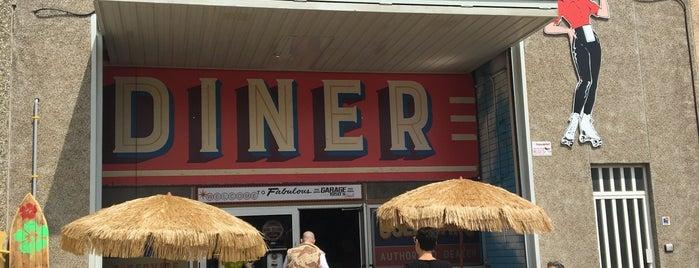Garage 1950's Diner is one of สถานที่ที่ César ถูกใจ.