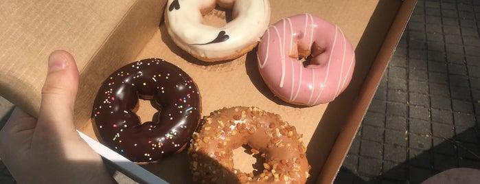 Ze Donats | The Donuts is one of Locais curtidos por Alex.