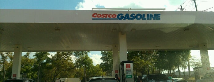 Costco Gasoline is one of Tempat yang Disukai Robbie.