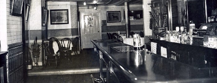 Neir's Tavern is one of Oldest Bars in New York City.