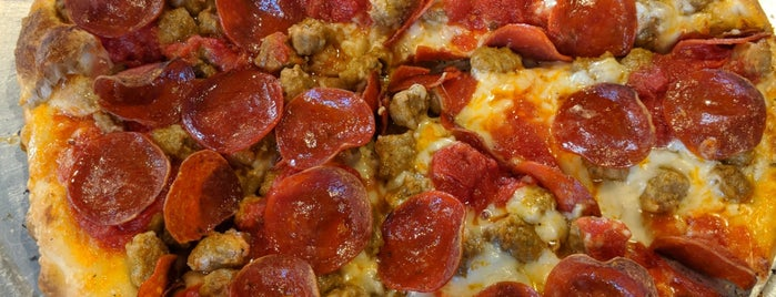 Fetta Specialty Pizza & Spirits is one of Owensboro and surrounding.