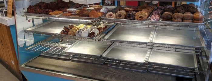 Delicious Donuts is one of Portland18 Food.