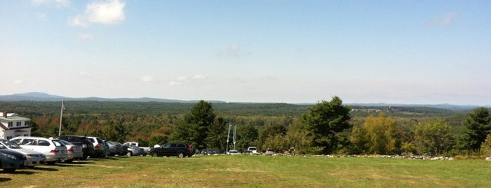 Fruitlands Museum is one of Saraさんの保存済みスポット.