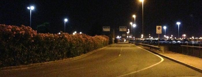 ADR - Parcheggio Fiumicino Lunga Sosta is one of สถานที่ที่ Alexandr ถูกใจ.