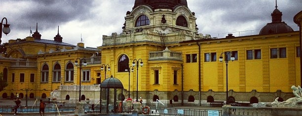 Balneario Termal Széchenyi is one of Budapest City Guide.
