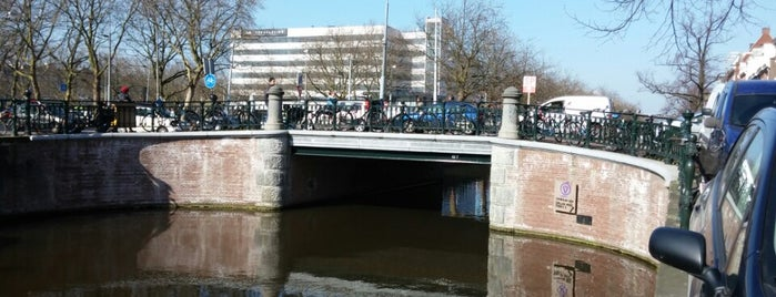 Baanbrug (Brug 107) is one of De Jordaan 1/2.