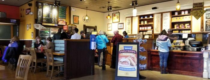Potbelly Sandwich Shop is one of Locais curtidos por Nayeli.