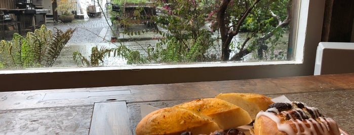 MOKICHI BAKER & SWEETS 香川店 is one of Bakery.