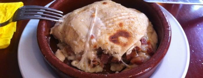 La Piteria is one of venden cocacolas de 350 ml.
