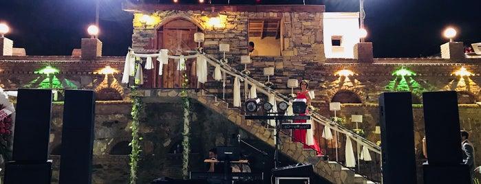 İkiz Cesme Aile Restauranti is one of Zafer'in Beğendiği Mekanlar.