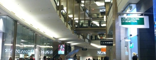 The Shops At North Bridge is one of Layover: ORD/KORD.