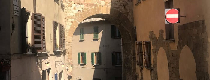 Montepulciano is one of Places.